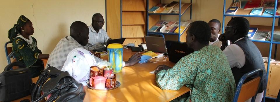 Das Übersetzungsteam in Mali. Foto: Regina Apel