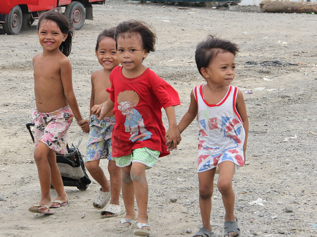 Kinder im Slum. Foto: Cherina Ducusin